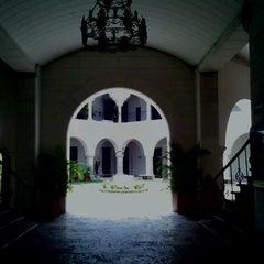Photo taken at UADY (Edificio Central) by Gabriel P. on 4/13/2013