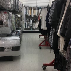 Photo taken at T.J. Maxx by Mesa D. on 4/14/2016
