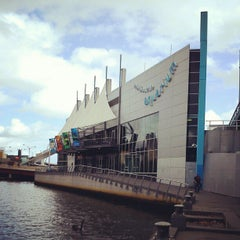Photo taken at SEA LIFE Melbourne Aquarium by Fitri N. on 4/18/2013