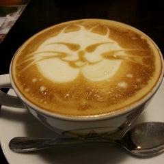 Photo taken at Traveler's Coffee by Лена В. on 6/11/2013