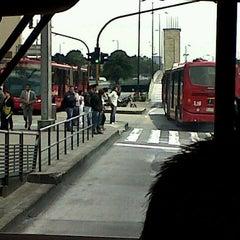Photo taken at TransMilenio: Héroes by Robert Hernando R. on 3/26/2013
