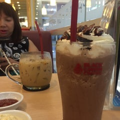 Photo taken at Black Canyon (แบล็คแคนยอน) by Sabunnga S. on 9/3/2015