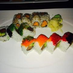 Photo taken at Samurai Japanese Cuisine Sushi Bar & Grill by Racheal🙊🍹 on 5/3/2014