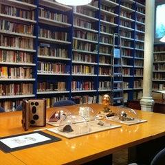 Photo taken at Istituto Italiano di Cultura by Silvia C. on 5/8/2014