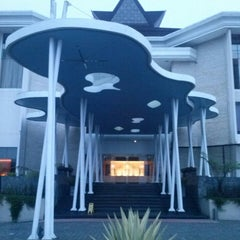 Photo taken at Mikie Holiday Resort & Hotel by monang m. on 5/17/2013