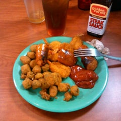 Photo taken at Golden Corral by Mike O. on 1/19/2013
