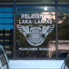 Photo taken at Polwiltabes Bandung by daeng o. on 12/29/2012