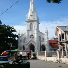 Photo taken at Church of St Anthony by Wiyanti H. on 12/22/2013