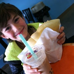 Photo taken at Boba And Crepes by Fleur R. on 2/12/2014