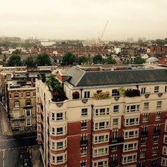 Photo taken at Copthorne Tara Hotel London Kensington by Mark T. on 10/13/2014