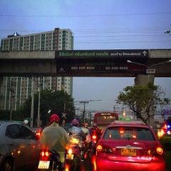 Photo taken at แยกพัฒนาการ (Phatthanakan Intersection) by Pattana on 9/17/2015