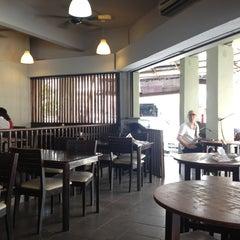 Photo taken at Restoran Murni Discovery by Sam L. on 7/3/2013
