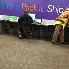 Photo taken at FedEx Office Print & Ship Center by Marwan A. on 11/4/2013