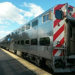 Photo taken at Metra - Highland Park by Ronald C. on 10/16/2015