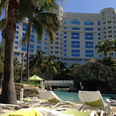 Photo taken at Seminole Hard Rock Hotel & Casino by Samira M. on 5/3/2013