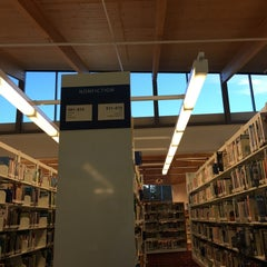 Photo taken at KCLS Bothell Library by @innab on 11/21/2015