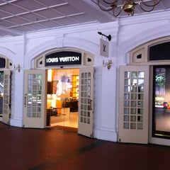 Photo taken at Louis Vuitton by Skefos T. on 5/25/2013