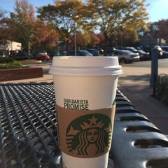 Photo taken at Starbucks by Bouquet on 10/23/2015