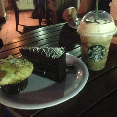 Photo taken at Starbucks Santa Elena by D' Javier S. on 7/23/2013