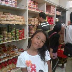 Photo taken at Manisan Lampung Yen Yen by donna i. on 1/1/2013