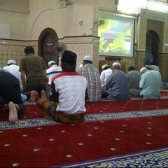Photo taken at Masjid Saidina Umar Al-Khattab by Jemi B. on 11/9/2012