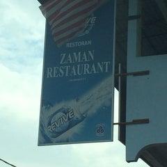 Photo taken at Restoran Zaman by Adza D. on 8/16/2015