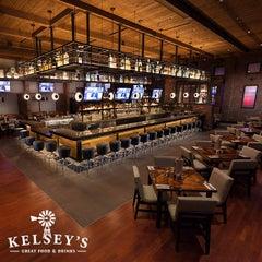 Photo taken at Kelsey's by Pechanga Casino on 11/4/2015