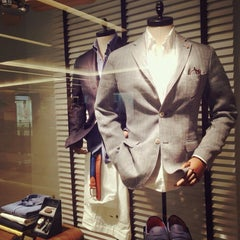 Photo taken at Massimo Dutti by Ohm T. on 5/1/2014