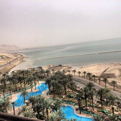 Photo taken at Le Méridien Dead Sea by Родион Р. on 3/9/2014