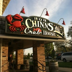 Photo taken at Bob Chinn's Crab House by leesseung on 4/22/2012
