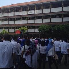 Photo taken at SMA Negeri 21 Jakarta by Stefanus K. on 11/1/2015