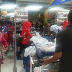 Photo taken at Matahari Department Store by Moelyo Santoso on 4/19/2014