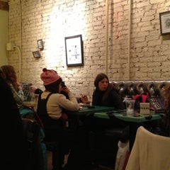 Photo taken at Pavement Coffeehouse by Gustavo B. on 2/18/2013
