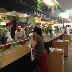 Photo taken at Vapiano by Peri D. on 5/29/2013