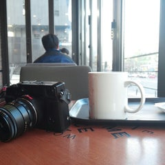 Photo taken at A TWOSOME PLACE by TaeYong K. on 12/13/2013