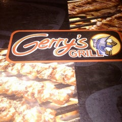 Photo taken at Gerry's Grill by Alexandra Mariz G. on 7/23/2013