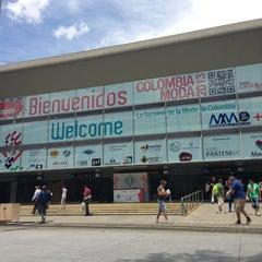 Photo taken at Plaza Mayor - Convenciones y Exposiciones by Sergio E. on 7/22/2013