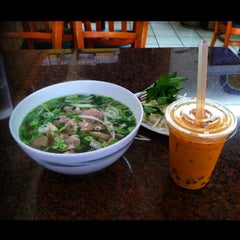 Photo taken at Pho Long Thinh by Michael V. on 6/25/2014