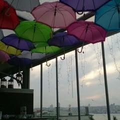 Savor Cafe tarihinde Himmet K.ziyaretçi tarafından 5/8/2013'de çekilen fotoğraf