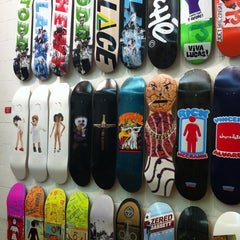 Photo taken at Supreme NY by Baomy W. on 1/21/2013
