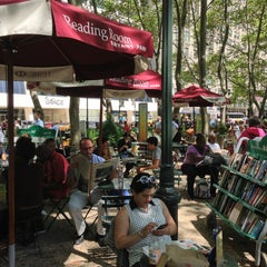 Photo taken at The Reading Room - Bryant Park by Jessica R. on 8/15/2013