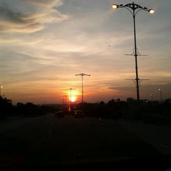 Photo taken at R&R Dengkil (South Bound) by Irene Carmen on 5/28/2013