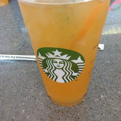 Photo taken at Starbucks by Bruno R. on 8/21/2013