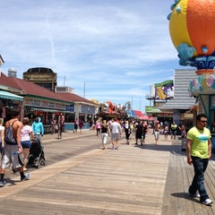 Photo taken at Morey's Piers and Beachfront Waterparks by Matt U. on 5/27/2013