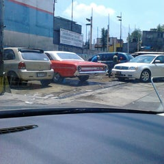 Photo taken at Servicio Plutarco - Estética Automotriz by carlos d. on 7/13/2014