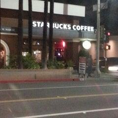 Photo taken at Starbucks by Kang Kyu L. on 12/11/2013