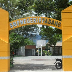 Photo taken at SMP 8 Padang by Defnissa Z. on 5/6/2013