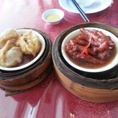 Photo taken at Wong Kok Restaurant @ Penampang by MI I. on 5/13/2013