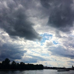 Photo taken at Parkinsel by Roberto F. on 8/22/2014