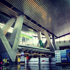 Photo taken at Ninoy Aquino International Airport (MNL) Terminal 3 by Jayd R. on 7/1/2013